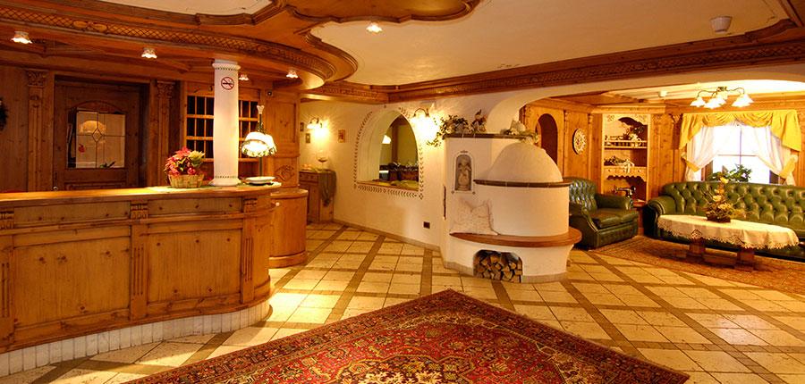 italy_dolomites_kronplatz_hotel-brunella_reception.jpg